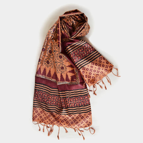 Maroon And Peach Printed Silk Dupatta by Noorani Biswas