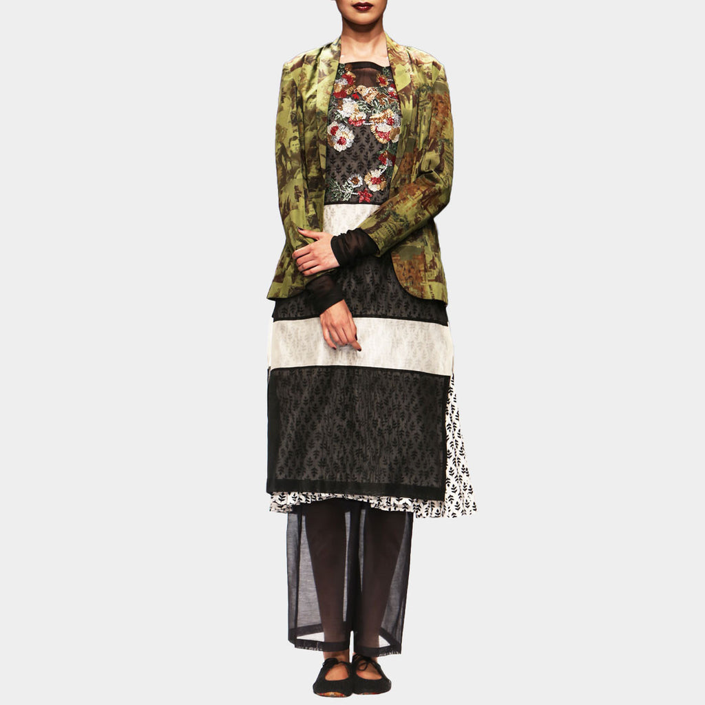 Black and White Kurta Set with Sequins by PRAMA by PRATIMA PANDEY
