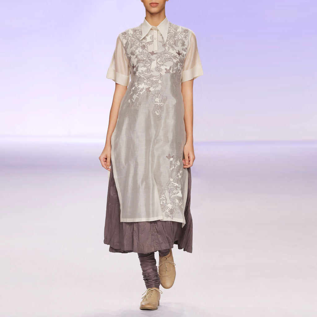 Ecru & grey silk chanderi kurta set by PRAMA by PRATIMA PANDEY