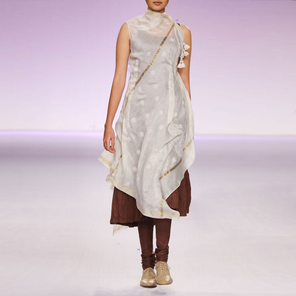 Ecru & brown silk chanderi kurta set with Chikankari by PRAMA by PRATIMA PANDEY