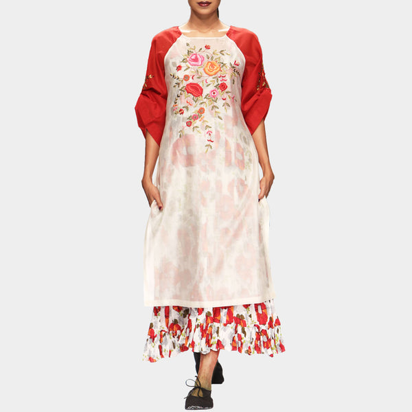 White & Red Anarkali Kurta Set by PRAMA by PRATIMA PANDEY