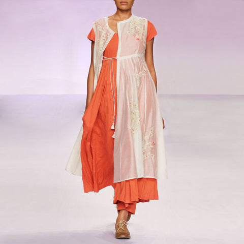 Ecru & burnt orange silk chanderi kurta set by PRAMA by PRATIMA PANDEY