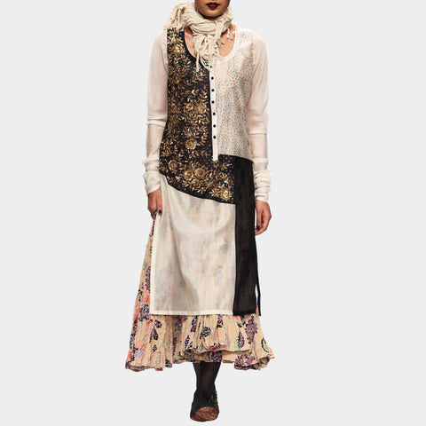White Kurta Set with Golden Embroidery by PRAMA by PRATIMA PANDEY