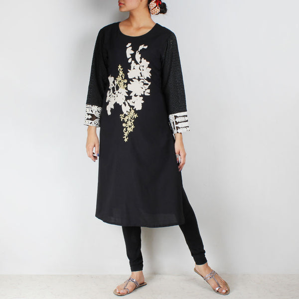 Black Embroidered Kurta With Leheriya Dupatta & Leggings