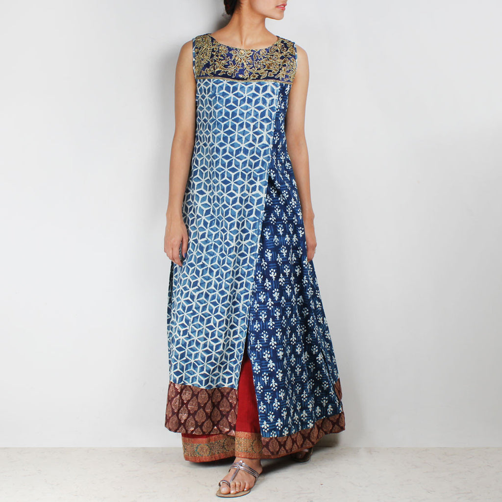 Blue overlapping organic cotton long kurta by Palanquine