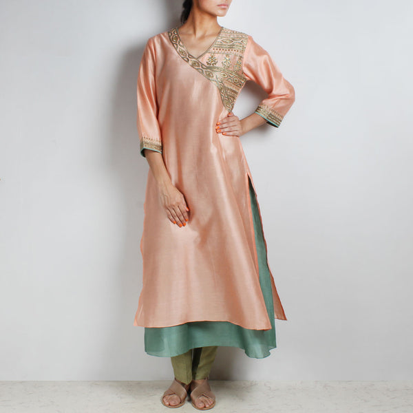 Chanderi Hand Embroidered sequined Peach Kurta with inner by Palanquine