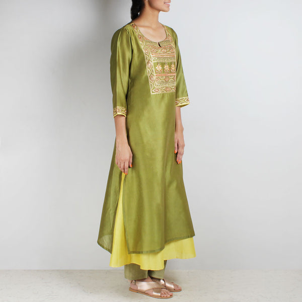 Chanderi Hand Embroidered Sequined Green Kurta With Inner