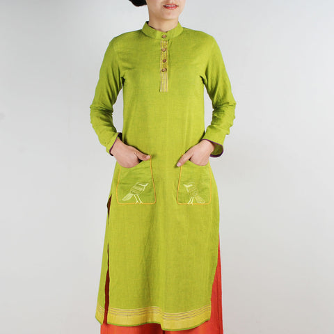 Cotton Kurta With Embroidered Birds On Pockets by ROUKA by Sreejith Jeevan