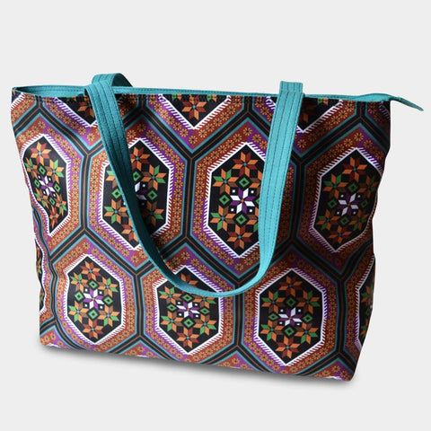 Hexagonal Patterned Bag by Noorani Biswas