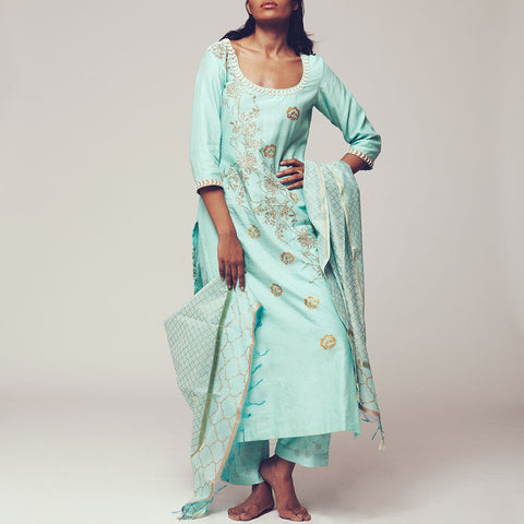 Set of Blue Floral Block Print Chanderi Kurta with Maheshwari Dupatta & Poly Cotton Bottoms by SHOW SHAA