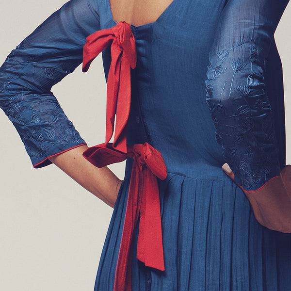 Blue & Red Viscose Silk Long Bow Evening Dress With Nylon Thread-Work