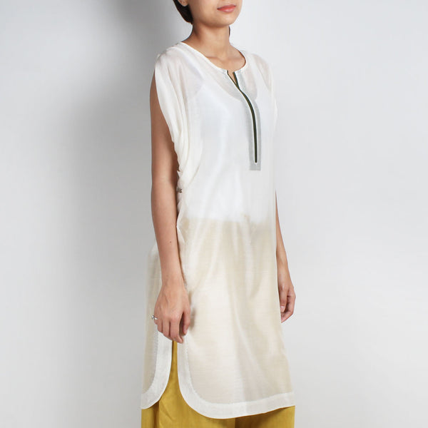 Off White Handwoven Chanderi Silk Kurta With Cowl Sleeve