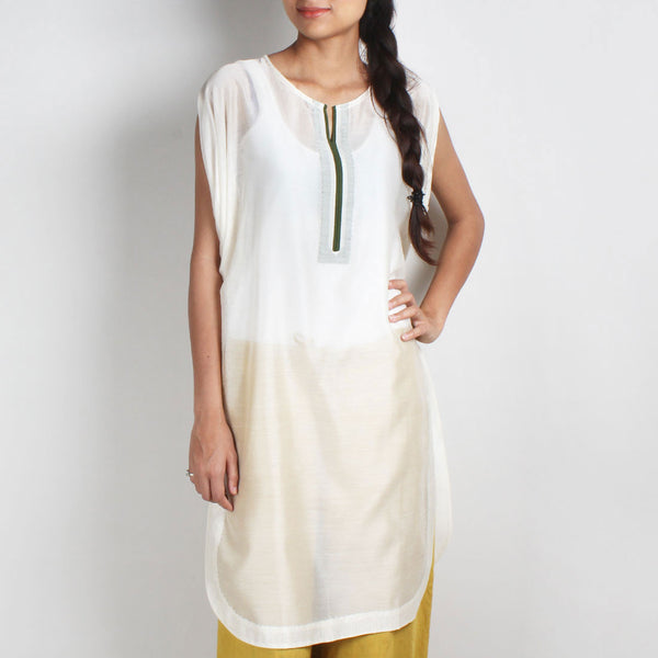 Off White Handwoven Chanderi Silk Kurta With Cowl Sleeve by Sonal Kabra