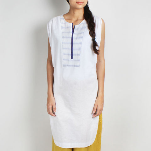 Mulmul Cowl Sleeve Handwoven Kurta With Blue Shibori Yoke by Sonal Kabra