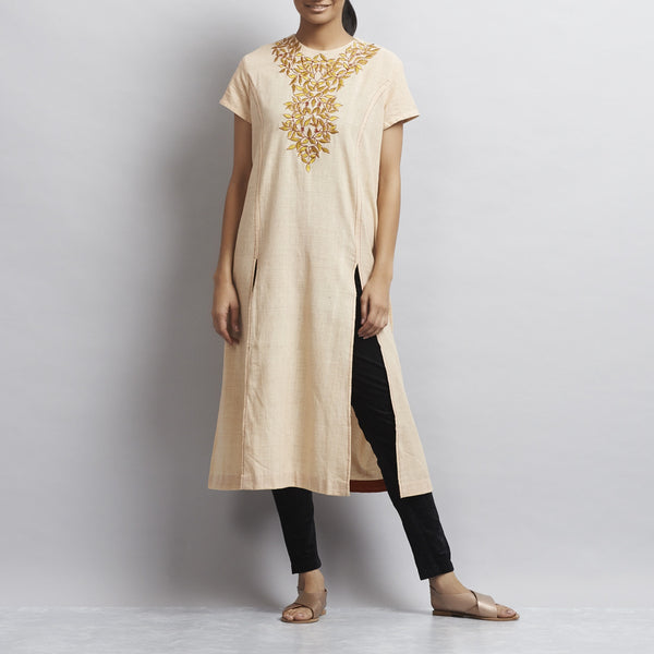 White Front Slit Chanderi Kurti with Gold Aari Zari Embroidered Neckline by Sonal Kabra