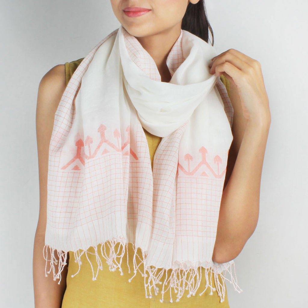 Khadi Handwoven White Stole With Chequered Motifs by SSaha