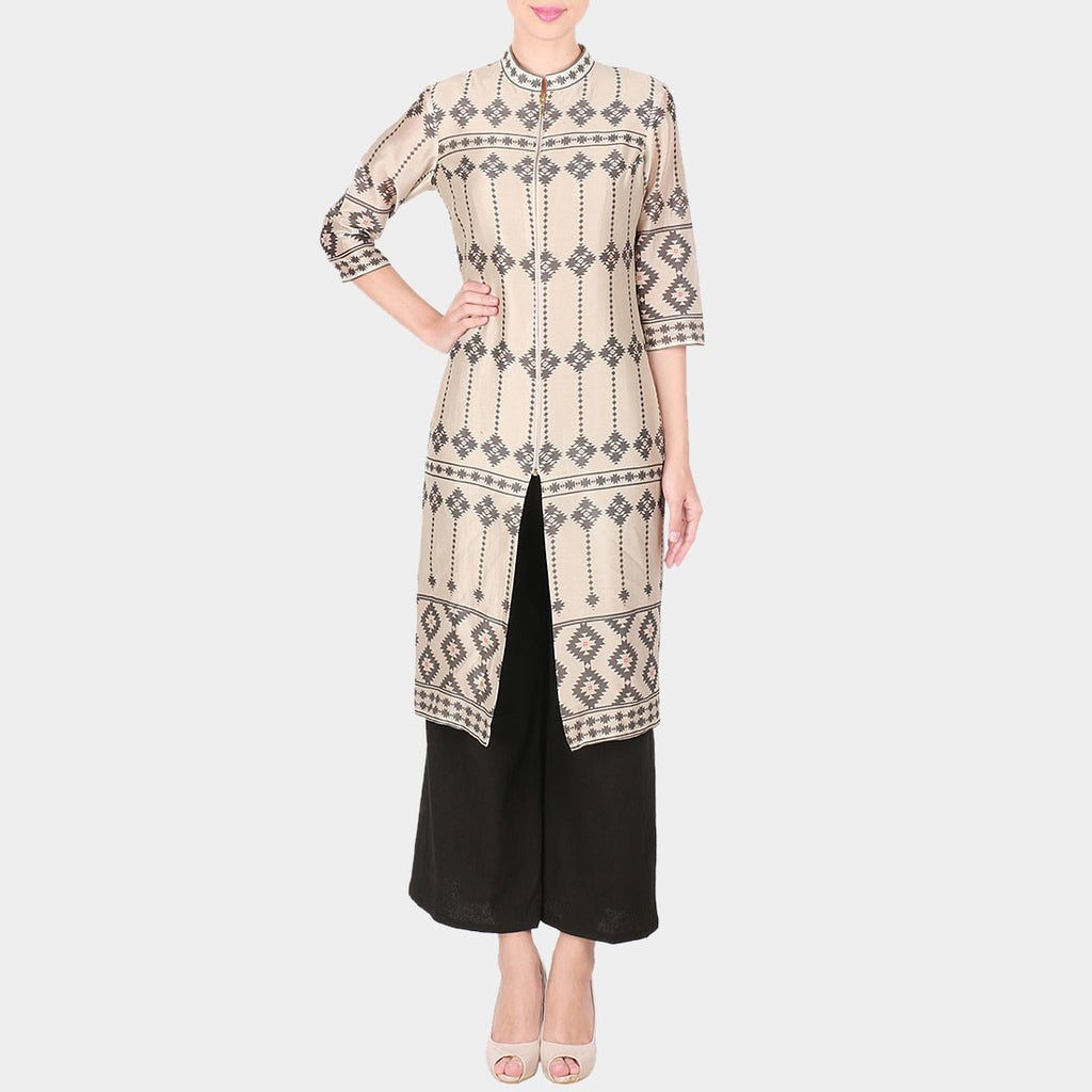 Set Of Off White Bold Geometric Print Chanderi Front Slit Long Kurta With Black Palazzo by SOUP by Sougat Paul