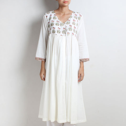 White Cotton Sundari Kalidar Kurta With Floral Block Printed Yoke by Vasstram