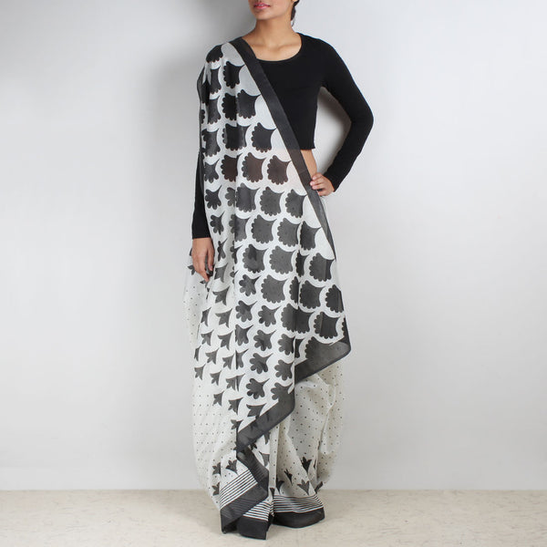 White Gradiation Floral Block Printed Saree