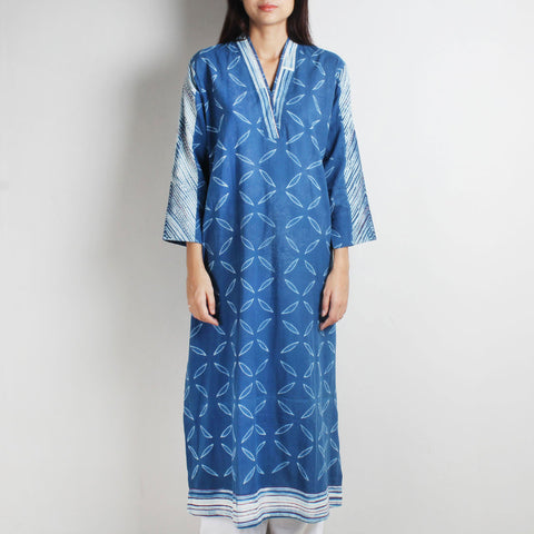Blue Khadi Shibori Kurta by WEAVERS STUDIO