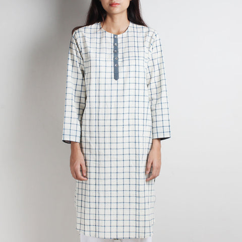 White Khadi Checks Long Tunic by WEAVERS STUDIO