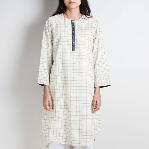 White Khadi Checks Tunic by WEAVERS STUDIO