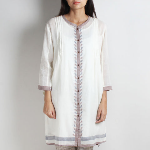 White Handwoven Jamdani Khadi Tunic by WEAVERS STUDIO