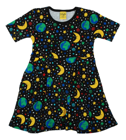 Duns Sweden - Skaterdress Shortsleeve Mother Earth Black