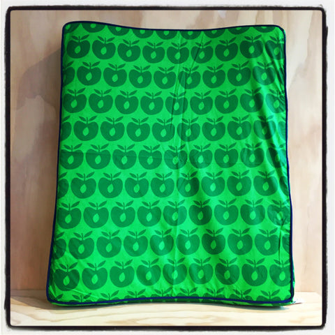 Changing Pad Cover Green Apples