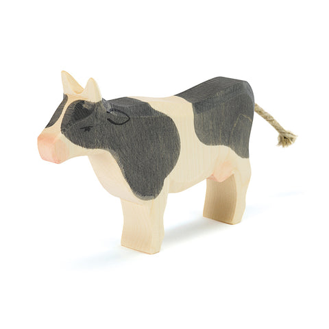 Ostheimer - Staande Zwart Witte Koe Cow Black And White Standing (11042)