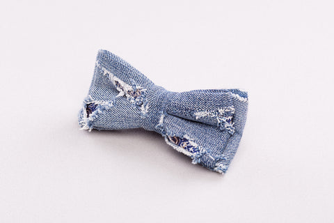 Ripped jeans Bow tie