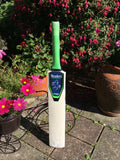 Readers R2 Cricket Bat Green