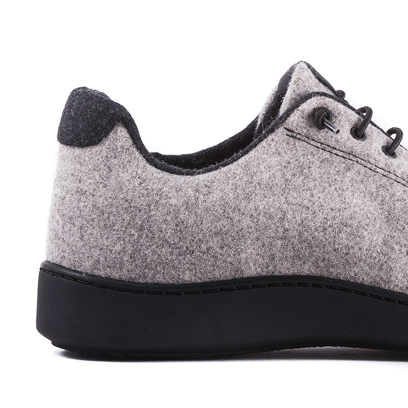 Urban Wooler Light Grey / Black