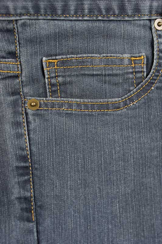 Tailored Fit Medium Wash Denim Jeans - 5 Pockets