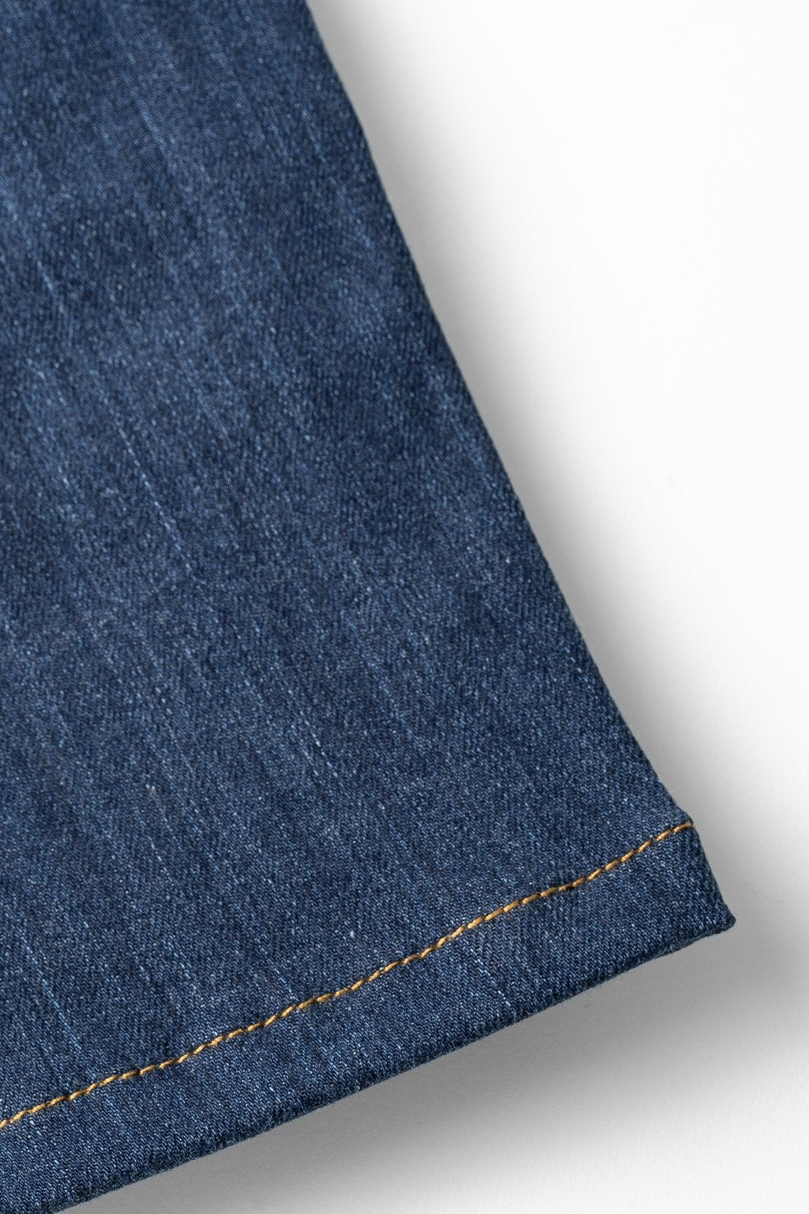 More images: closeup of bottom hem