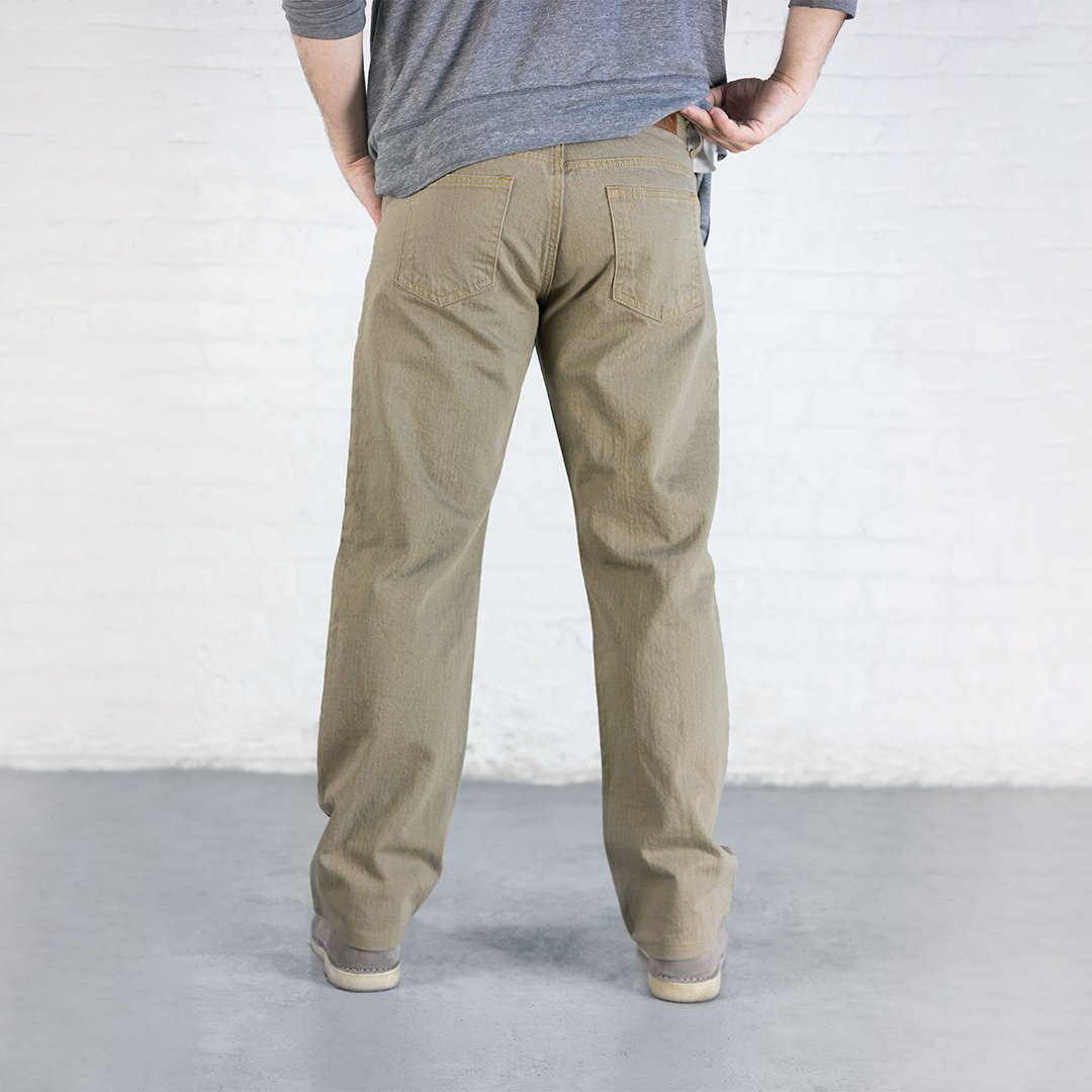 #3: Relaxed Fit - Khaki