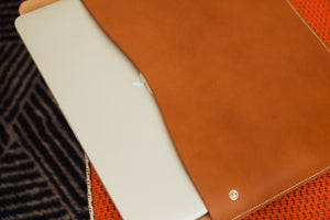 Load image into Gallery viewer, 'EDILUS' MACBOOK CASE - Vicus Pelle