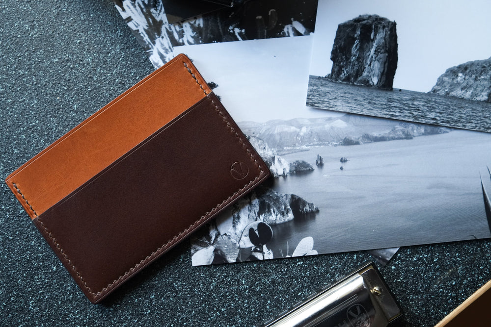 'AGUSTO' CARDHOLDER - Dark Brown and Whisky