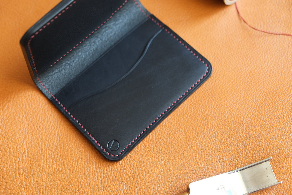 Load image into Gallery viewer, 'HUGO' BILLFOLD - round corners - Vicus Pelle