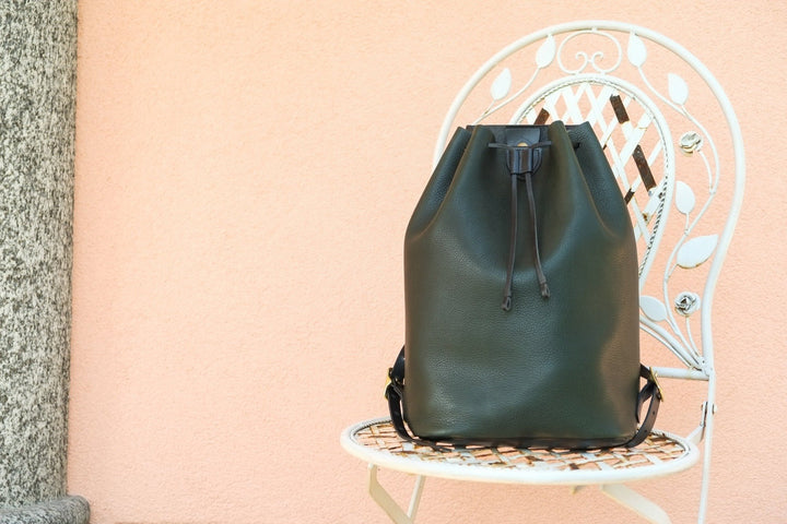 backpack, leather backpack, rucksack, leather rucksack, zaino in pelle, zaino in cuoio, backpacker