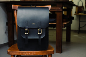Laden Sie das Bild in den Galerie-Viewer, 'ACUZIO' BACKPACK - Vicus Pelle