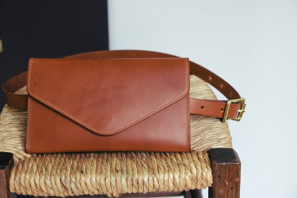 Laden Sie das Bild in den Galerie-Viewer, 'ALIDIA' HIP BAG - Vicus Pelle