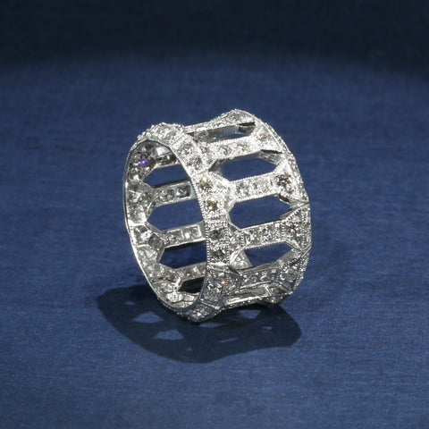 Stunning 18K and Diamond Vintage Openwork Ring