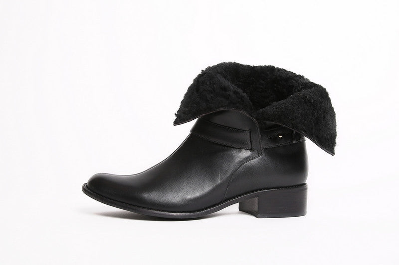 Guilhermina Turncuff Boots Black