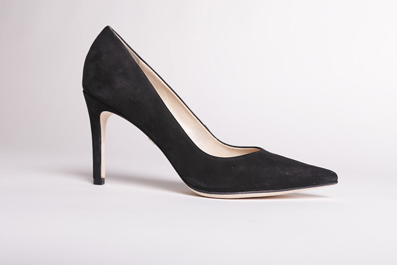 Guilhermina Feminine Black Suede Pumps