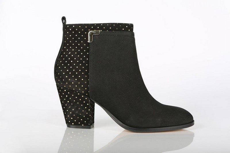 Loucos & Santos black booties