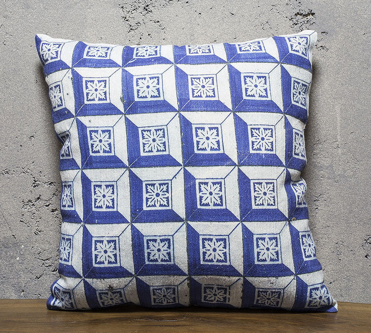 "PC025 / Cushion / 22""x22"""