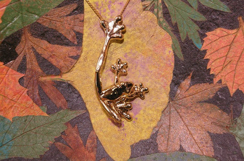 14k Yellow Gold Small Frog Pendant