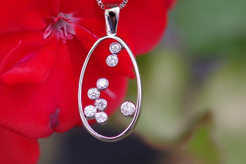 (Design ideas) 14k White Gold Oval and Diamond Pendant