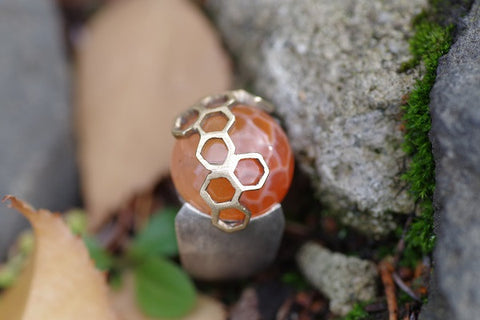 (Design Ideas) Silver and 18k Yellow Gold Honeycomb Agate ring
